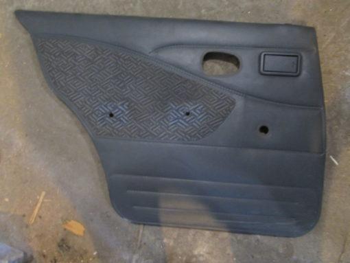 обивка ( панель, картина, облицовка ) двери задней  левой daewoo nexia ( дэу нексия )